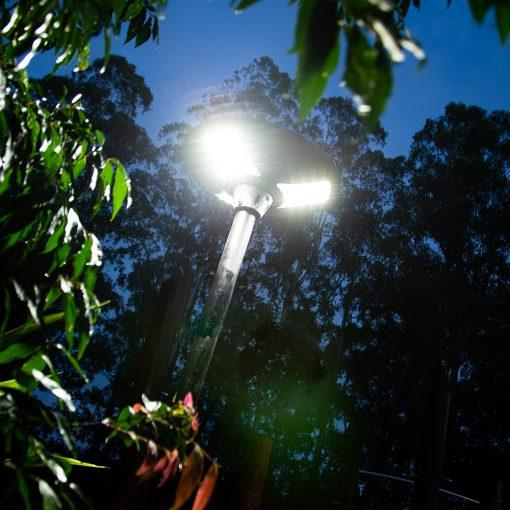 outdoor light with 360 degree lighting for back garden